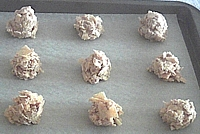 Portioning cookies for baking